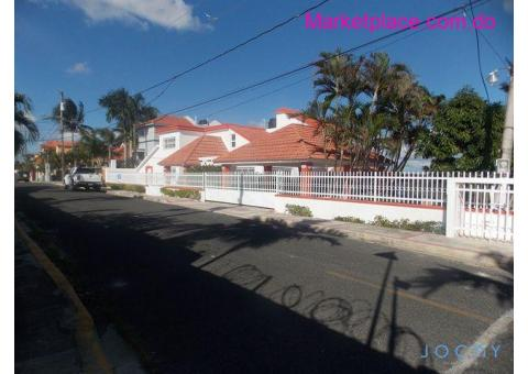 Jochy Real Estate, Vende Casa en la Romana