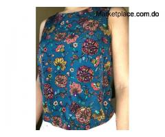 Blusa floral sin mangas. Size: S